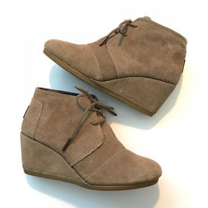 TOMS Desert Wedge Ankle Boots Suede